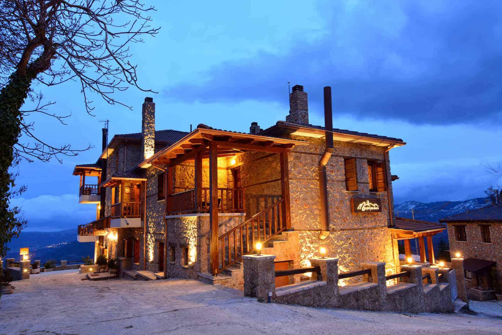 Τρίκαλα Κορινθίας Μαυραγανέϊκο ξενώνας, διαμονή στα Trikala Korinthias